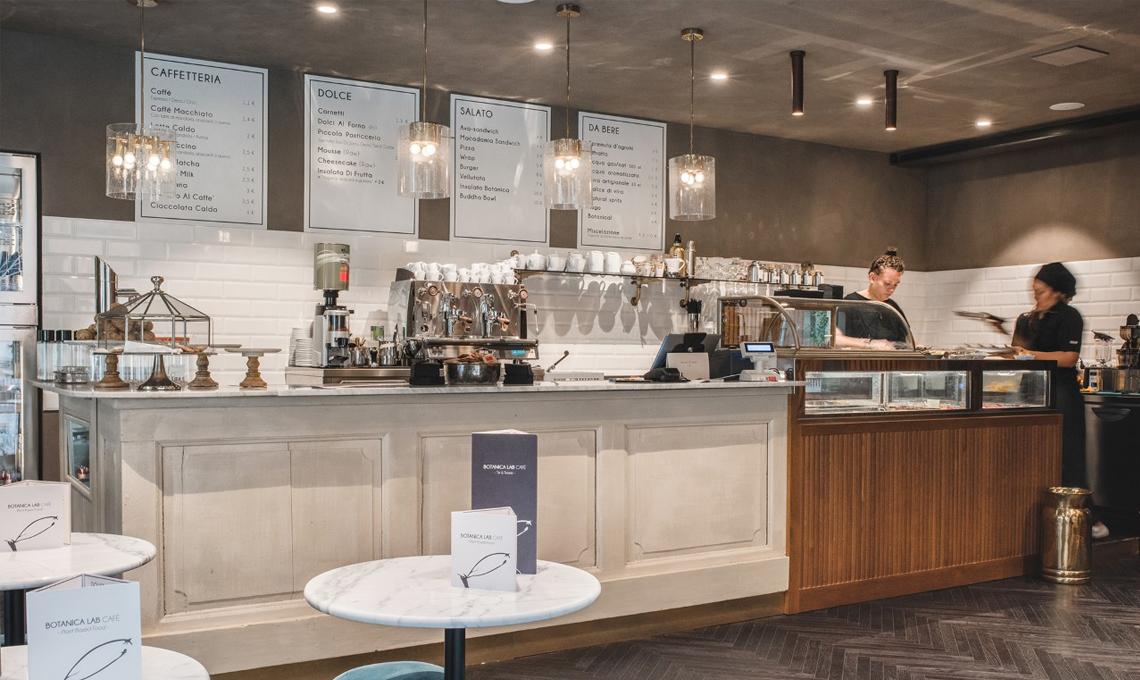 CasaFacile_FPanarello_botanica_lab_cafe_illuminazione